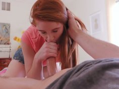 Nice teen in jeans shorts Scarlett Snow seduces her step daddy