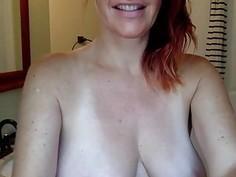 Mom Sandra 40 live in the bathrooom